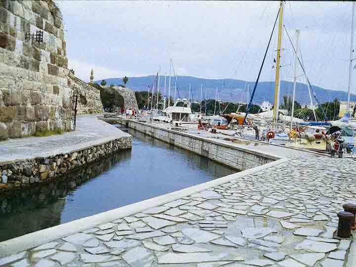 Tourist-Port -