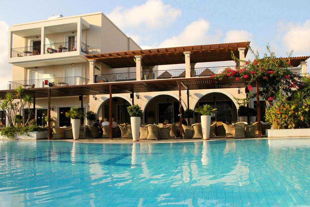 PERIDIS FAMILY RESORT 5***** IN  Makrigianni  and Hatzivassiliou str. (Kos Town)