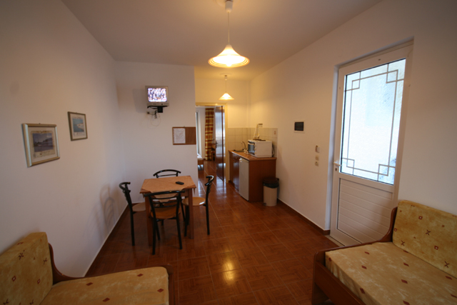ANASTASIA APARTMENTS IN  Kefalos
