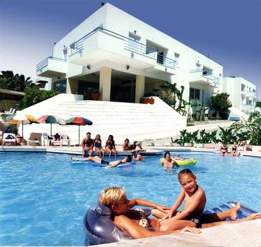 LEONIDAS HOTEL & STUDIOS IN  8, Sintagmatos Dodekanision st., Kos town