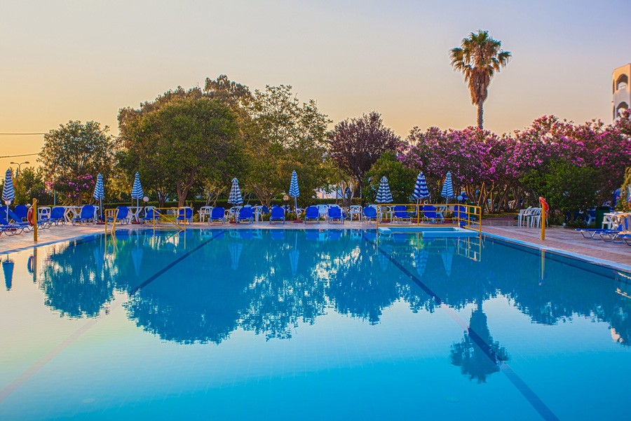 Image of the swimming pool of Continental Palace hotel in Kos CLICK TO ENLARGE