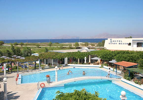 Another photo of the pool of Sandy Hotel. CLICK TO ENLARGE