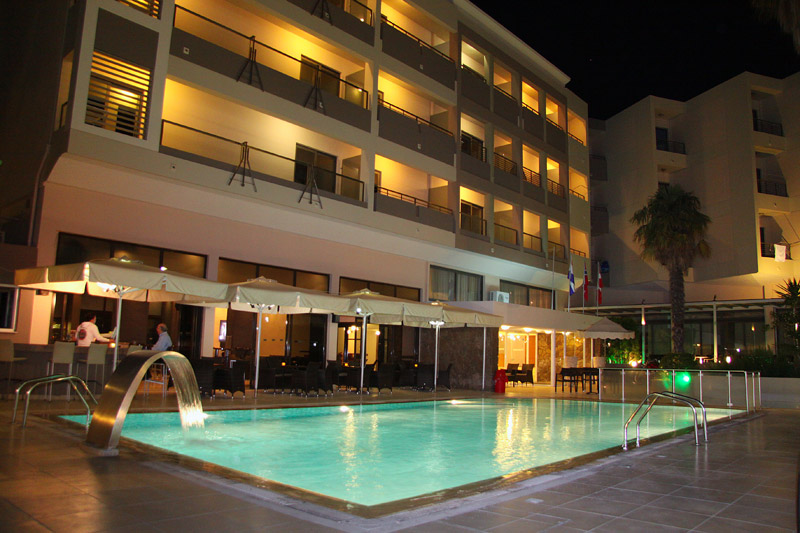 Another photo of pool, Hotel Saint Constantin. CLICK TO ENLARGE