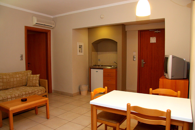 Image of Snack-bar of hotel. CLICK TO ENLARGE