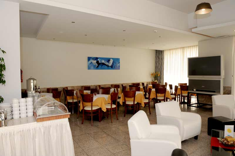 Image of Bar - Cafe of Paritsa Hotel. CLICK TO ENLARGE