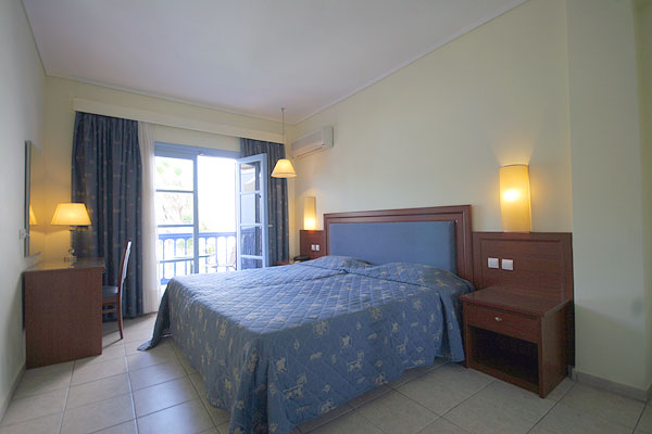 Image of double room of Theodorou Beach Hotel. CLICK TO ENLARGE