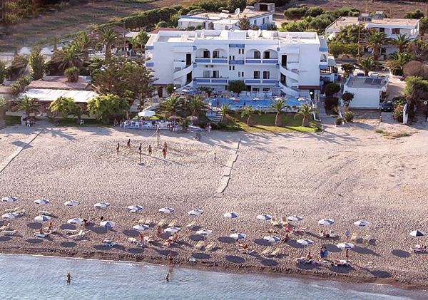 Image of the pool and sandy beach of Kordistos Beach Hotel, located in Kefalos village. CLICK TO ENLARGE