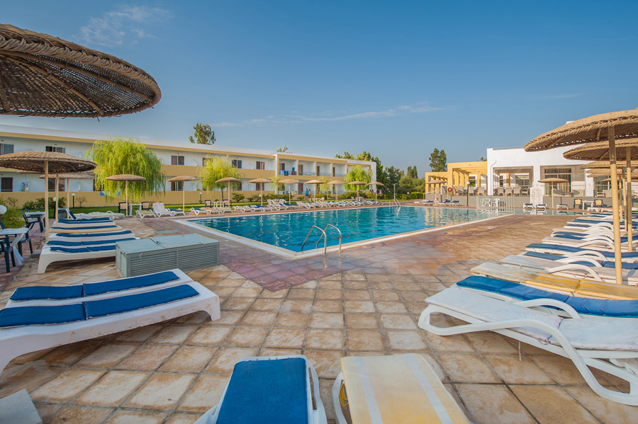 Pyli Bay Hotel is only 5min walk from the Marmari beach. CLICK TO ENLARGE